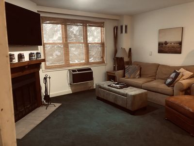 Vermont Fun Snow Mountain Resort Condo, Indoor-pool, hot tub & bars/restaurants!