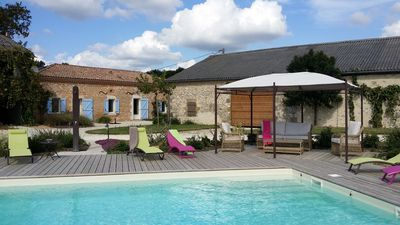 Photo for Air-conditioned house between Lot and Dordogne in full nature private swimming pool with salt