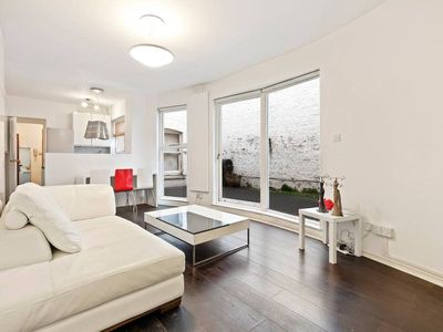 Photo for Spacious 1 Bed flat w/Patio in Central London