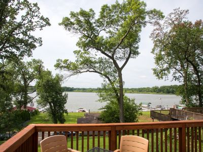 Photo for Beautiful Spacious Escape On The Chain O'Lakes