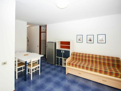 Photo for Nice apartment for 6 guests with pool, A/C, WIFI, TV, balcony and parking