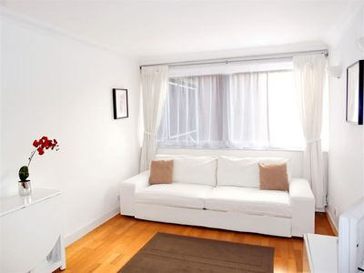 Photo for Wow! Bright Fitzrovia Central W1: Heart of Tourist London. King Bed. Free Wifi