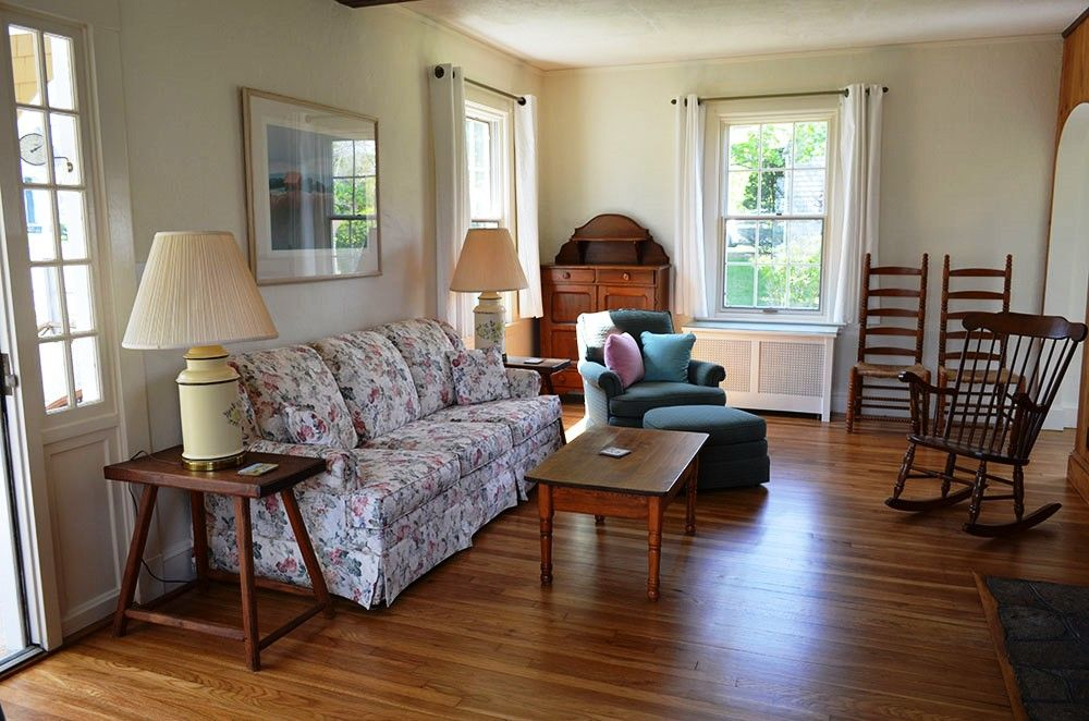 Rockport, Ma 5 BR Near Beach, Golf Course & Shops w/ Full Kitchen & More!