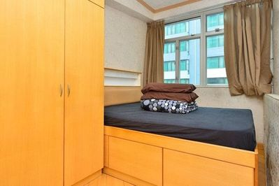 3 Bedrooms (SK7) Centrally located