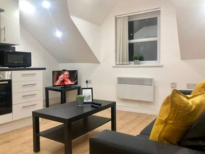 Photo for 1 Bed Modern & Spacious Apartment by City Centre