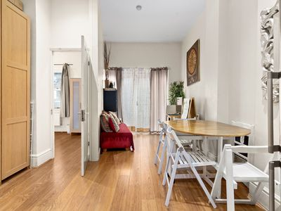 Photo for CORONA FREE - Modern 3 Bedroom Flat with Balcony in Kensington for up to 6 people