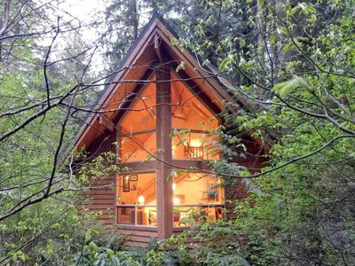 Photo for Vacation home 04SL Cedar Cabin with Hot Tub! in Mount Baker/Glacier - 5 persons, 1 bedrooms