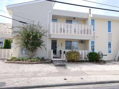 Just two short blocks to the beach, Enjoy parking your car in the off-street designated parking space and walking to restaurants and the recreation area.