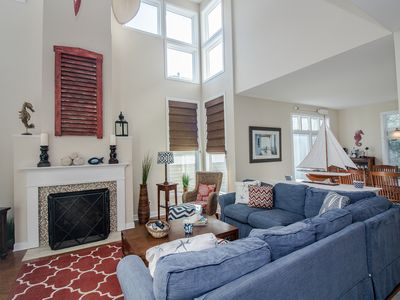 58011 Wimbledon Court, Sea Colony - Living Room