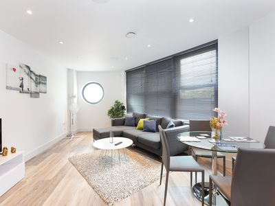 Photo for Family 2 Bed Apartment In Fulham Near Station