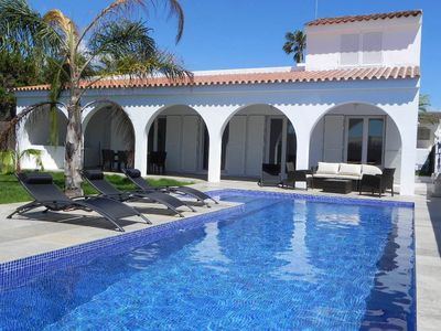Photo for Luxurious villa for up to 8 persons with large pool, 185m to beach, with Wi-Fi and aircon and a safe.