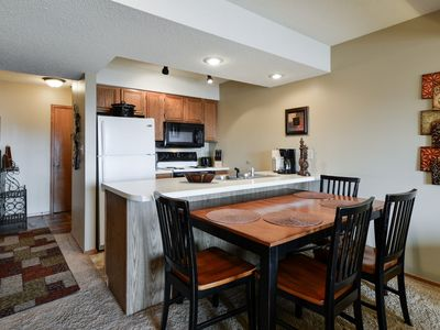 Photo for Beautiful Condo located at Notch- Next door to Silver Dollar City
