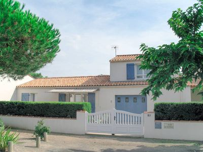 Photo for Vacation home Les Baleinaux  in La Tranche - sur - Mer, Vendee - 6 persons, 3 bedrooms