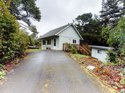 Photo for Quiet & secluded cottage w/ an outdoor firepit, deck, & easy beach access!