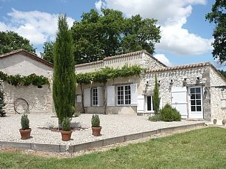 Photo for Enchanting Cottage with Private Pool in 6 acres near Bergerac/Issigeac and Eymet