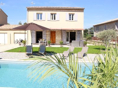 Photo for Beautifully furnished & equipped 3 Bedrooms/2 Bathrooms + pool, in the Luberon.