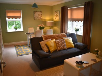 Photo for Stylish 2 bed Apartment, Parking, Great location