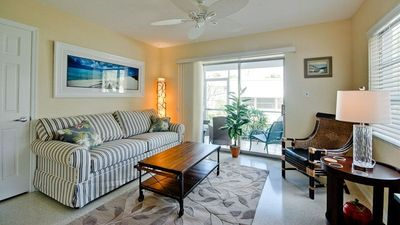 Charming Siesta Key Village Vacation Condo - Unbeatable Location, Free WiFi