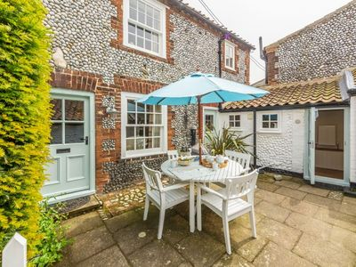 Photo for A beautiful and very comfortable traditional cottage in the centre of Blakeney.