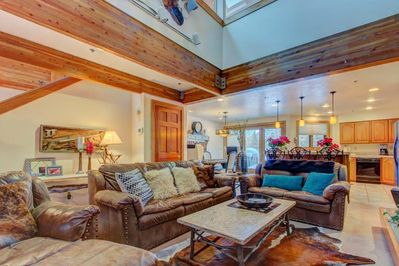 Beautiful and Spacious Living Room