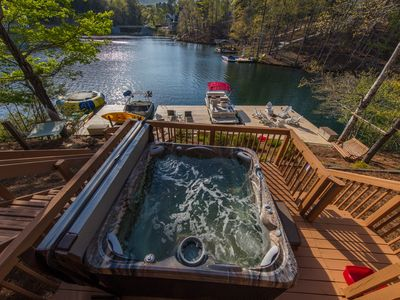 Photo for 120 Ft Lakefront:NEW HOT TUB,Trampoline,Pontoon rental,kayaks,hydro bikes & more