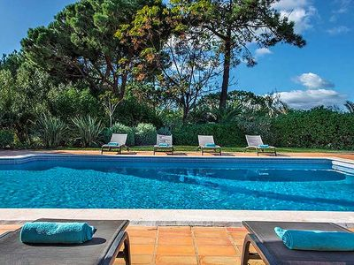 Photo for Spacious 6 Bedroom Villa with Pool in Quinta do Lago U110