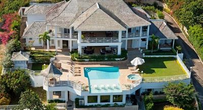 Fairway Manor- 7 bd staffed villa with ocean views and nearby golf in Montego Bay