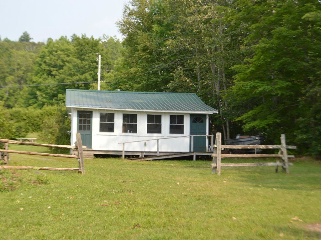 Enjoy our 400 ft private beach at lake willoughby cabin 3 for Lake willoughby cabins