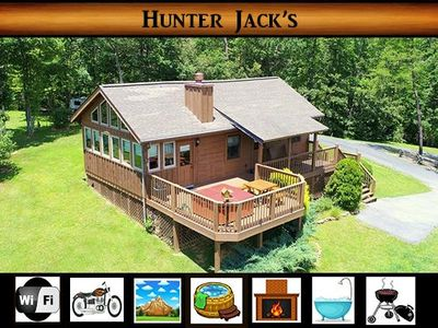 Photo for NEW LISTING - Hunter Jack's } Mountain Views / Hot Tub / Easily Accessed