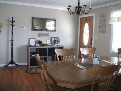 Shenandoah Farmhouse Rental   Our Large Dining Table Is Perfect For Family  Dinners!