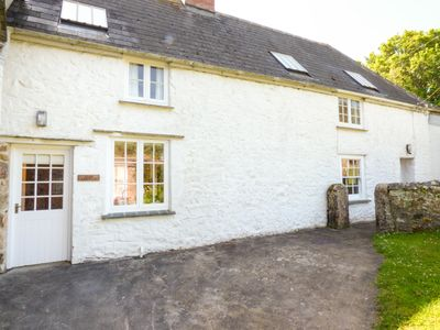 Photo for FARM COTTAGE, family friendly, with pool in Marazion, Ref 958845