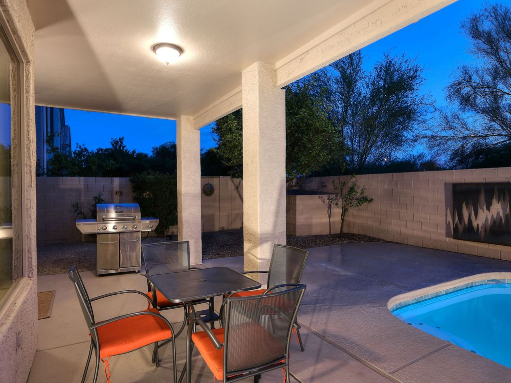 Beautiful Home With New Furnishings Unbeatable Location Paradise Valley Central Arizona