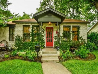 Photo for Old Town Escape.  A Beautiful, Spacious Home In The Heart Of Georgetown