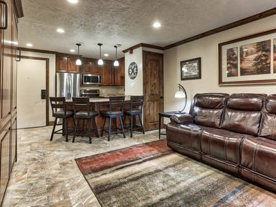 Photo for NEW TO MARKET, RENOVATED Ski-In/Ski-Out STUDIO Unit at Snowflower