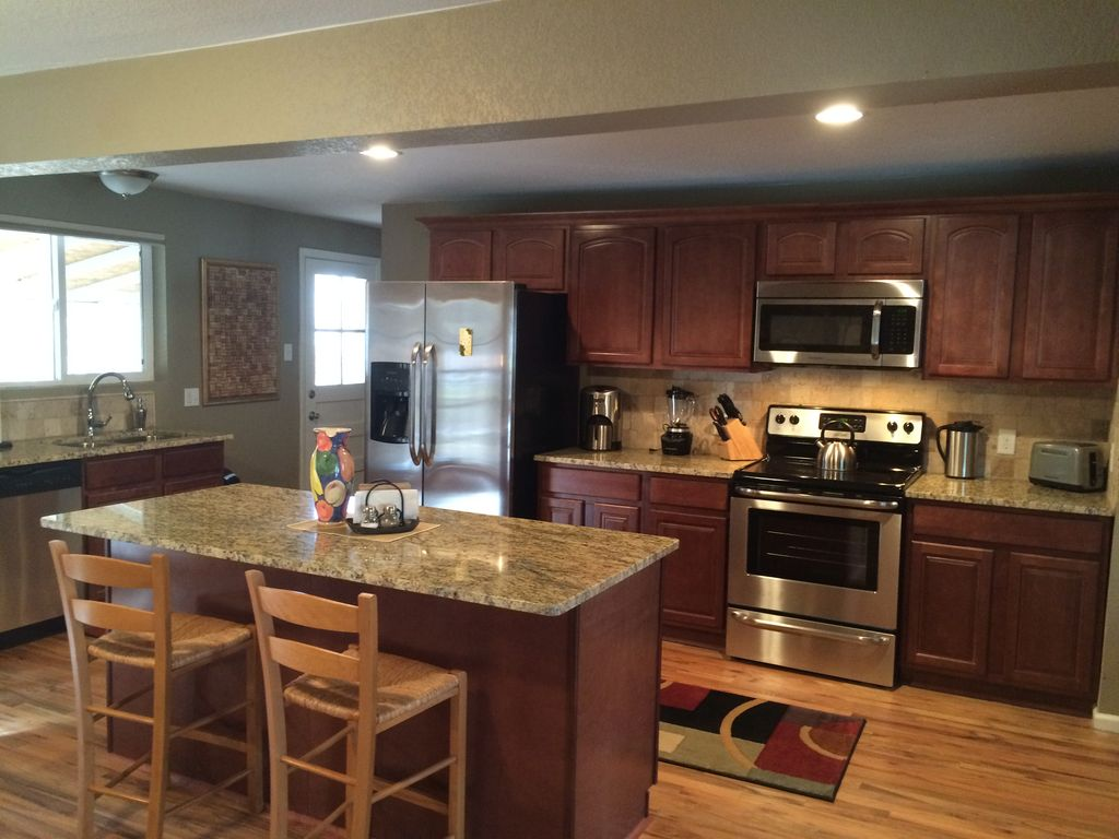 Gorgeous 5 bedroom ranch with beautiful upg vrbo for Kitchen upgrades