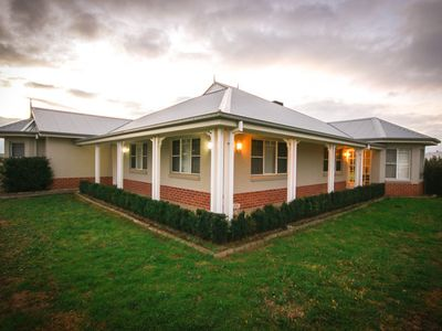 Photo for Kurrajong lodge - large modern home June 2019 discount!