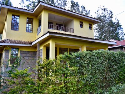Countryside Villa - 4 Bedrooms with WIFI & DSTV