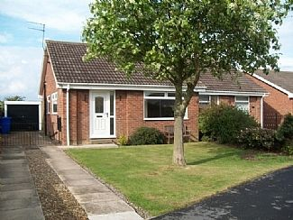 Photo for Modern Semi-Detached Bungalow in quiet but convenient location.
