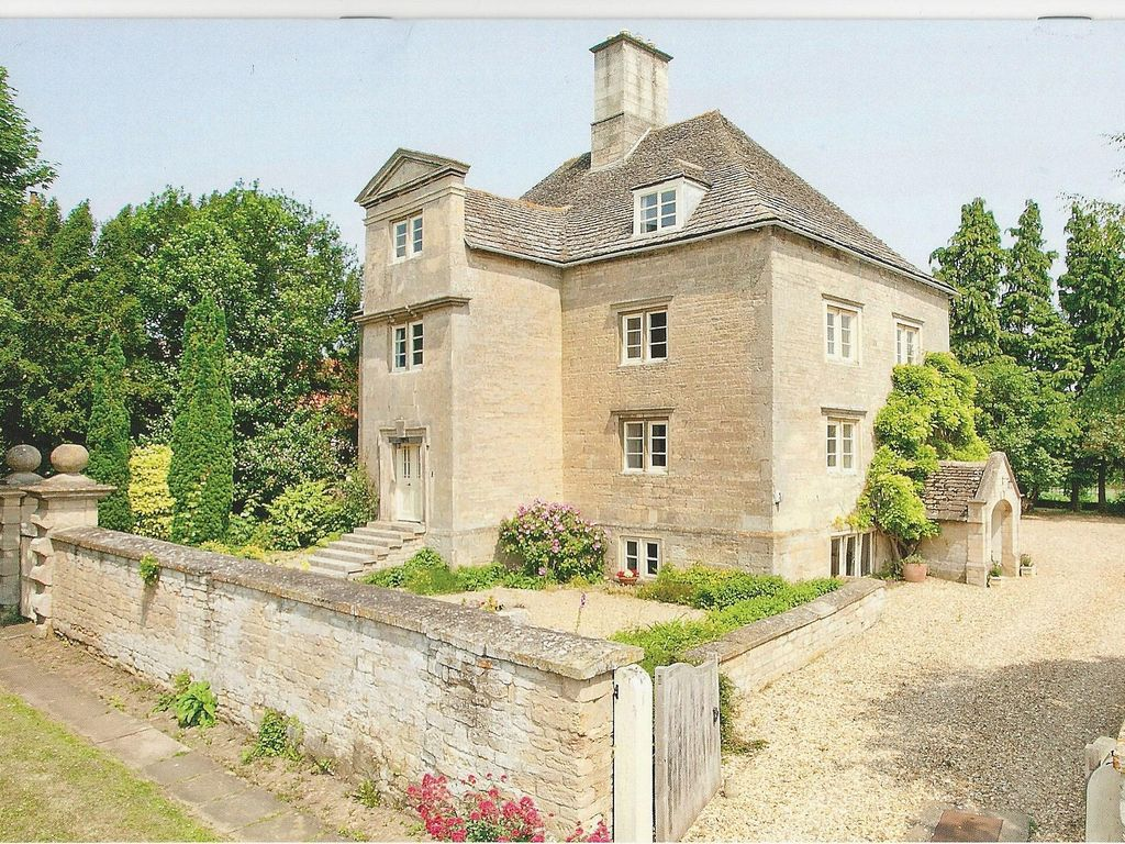 E17670 historic manor house with garden and all weather for All weather homes