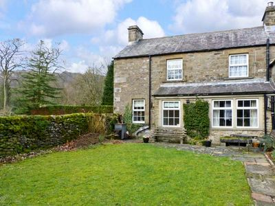 Photo for LOCKS COTTAGE, family friendly, with open fire in Langcliffe, Ref 816