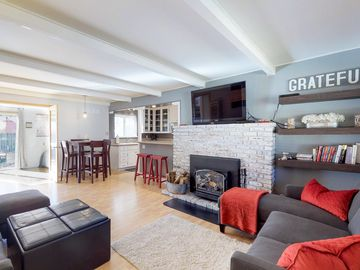 Contemporary dog-friendly home with private hot tub & quiet location!