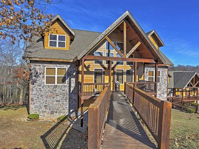 Photo for Beautiful Branson Resort Cabin w/Mountain Views!