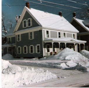 Okemo Mt. Family Affordable ! Village location, Shuttle, walk to town,  Dogs OK.