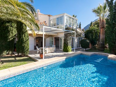 Photo for Family home with  internet and pool, near to the town.