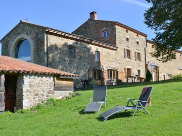 Cottage up to 21 people, 300m² of available, 8 possible bedrooms