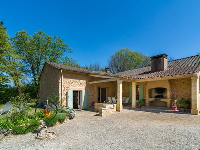 Photo for Rural holiday home with beautiful forest, not far from Périgueux (15 km)