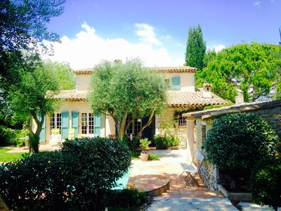 Photo for Charming villa with swimming pool and quiet garden on the Cote d'Azur to Grasse