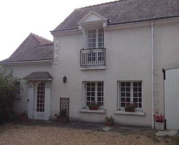 Photo for Very nice renovated outbuilding close to Amboise and Chenonceaux