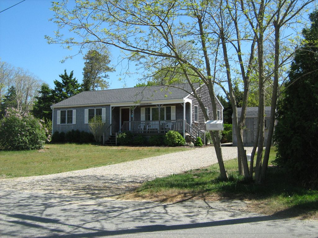 The beach rose house you will love this great cape cod for Ranch style beach house