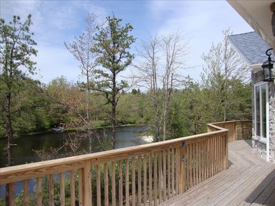 Stunning lakefront home in the of the po homeaway for Long pond pa cabin rentals